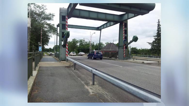 NEIN zur Verschandelung des Museumshafen durch eine Brücke Teil 9